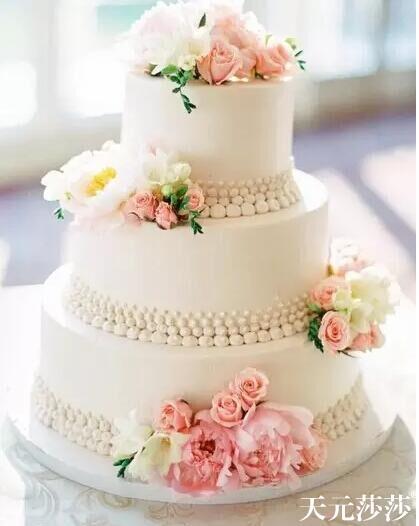 学插花 鲜花蛋糕制作来莎莎插花培训